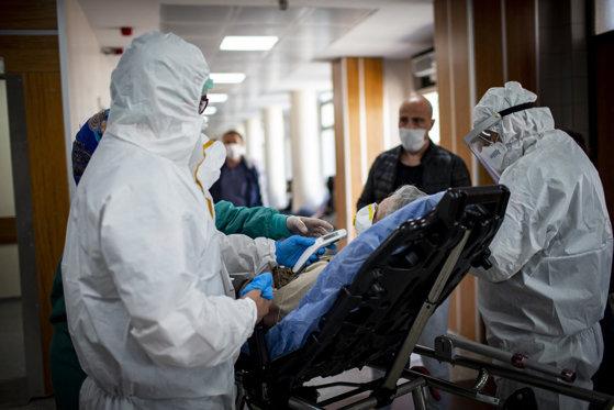 Mai sunt doar 16 paturi de ATI COVID libere în spitalele din România