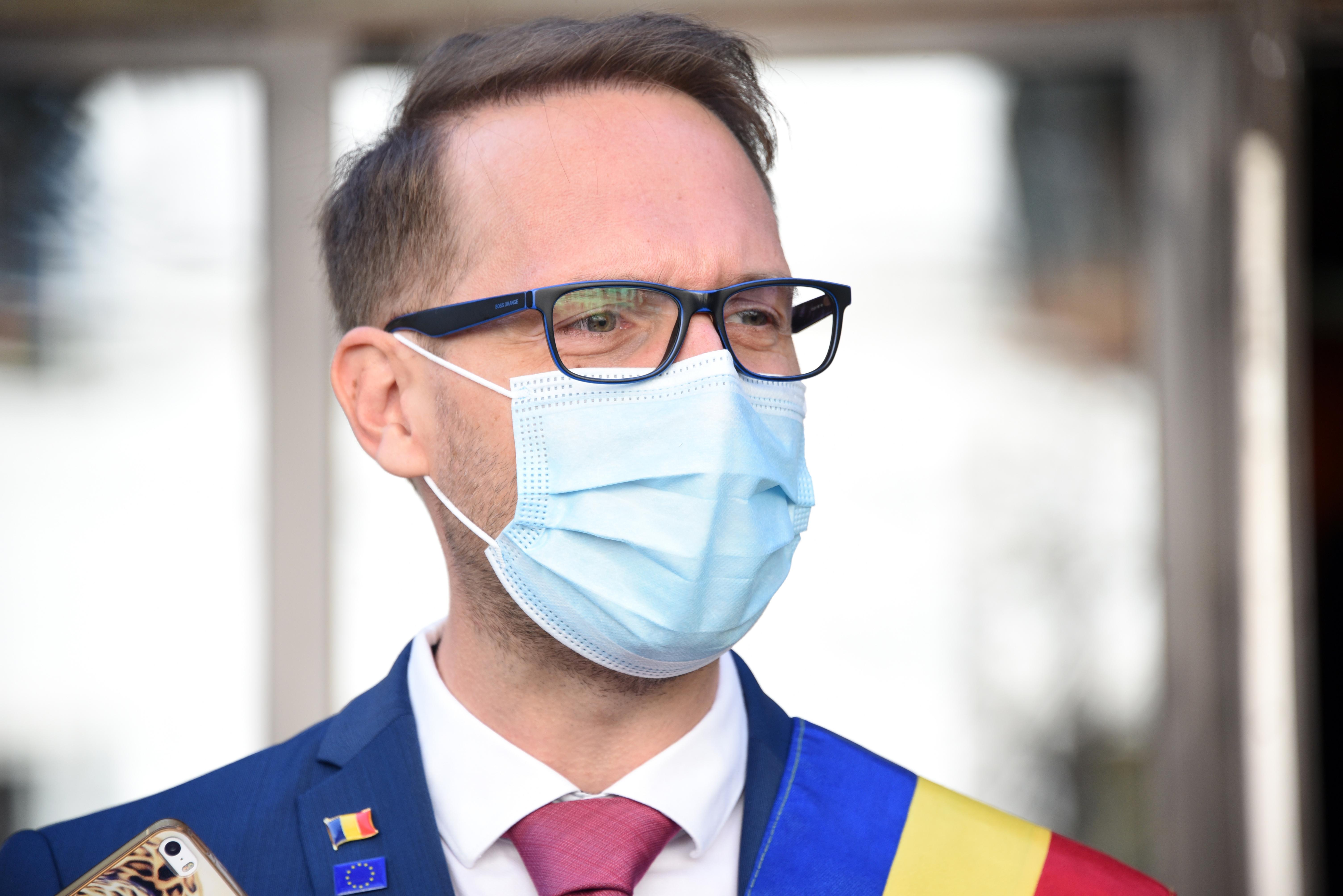 """Dominic Fritz, după impunerea carantinei de noapte în Timişoara: """"Restricţiile aplicate tuturor, indiferent dacă s-au vaccinat sau nu, sunt nedrepte"""""""