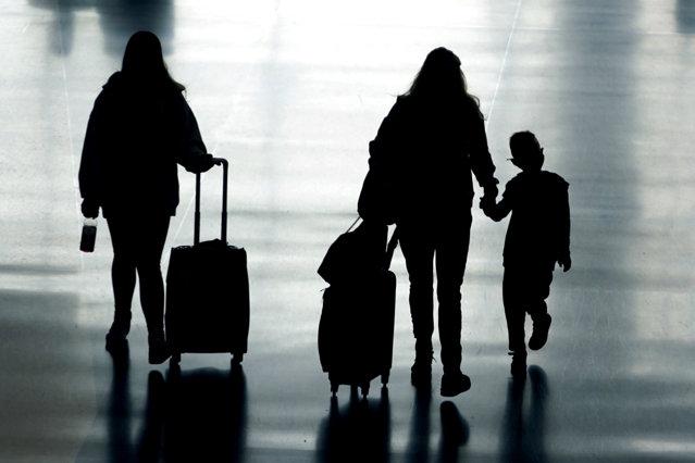 Noua listă a ţărilor cu risc epidemiologic: România intră în zona galbenă. DECIZIE în cazul copiilor |EpicNews
