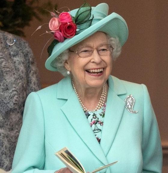 Jubileul de Platină al Reginei Elisabeta, cea mai mare sărbătoare regală din istoria modernă, cu 500 de cai şi 1.000 de dansatori şi muzicieni|EpicNews