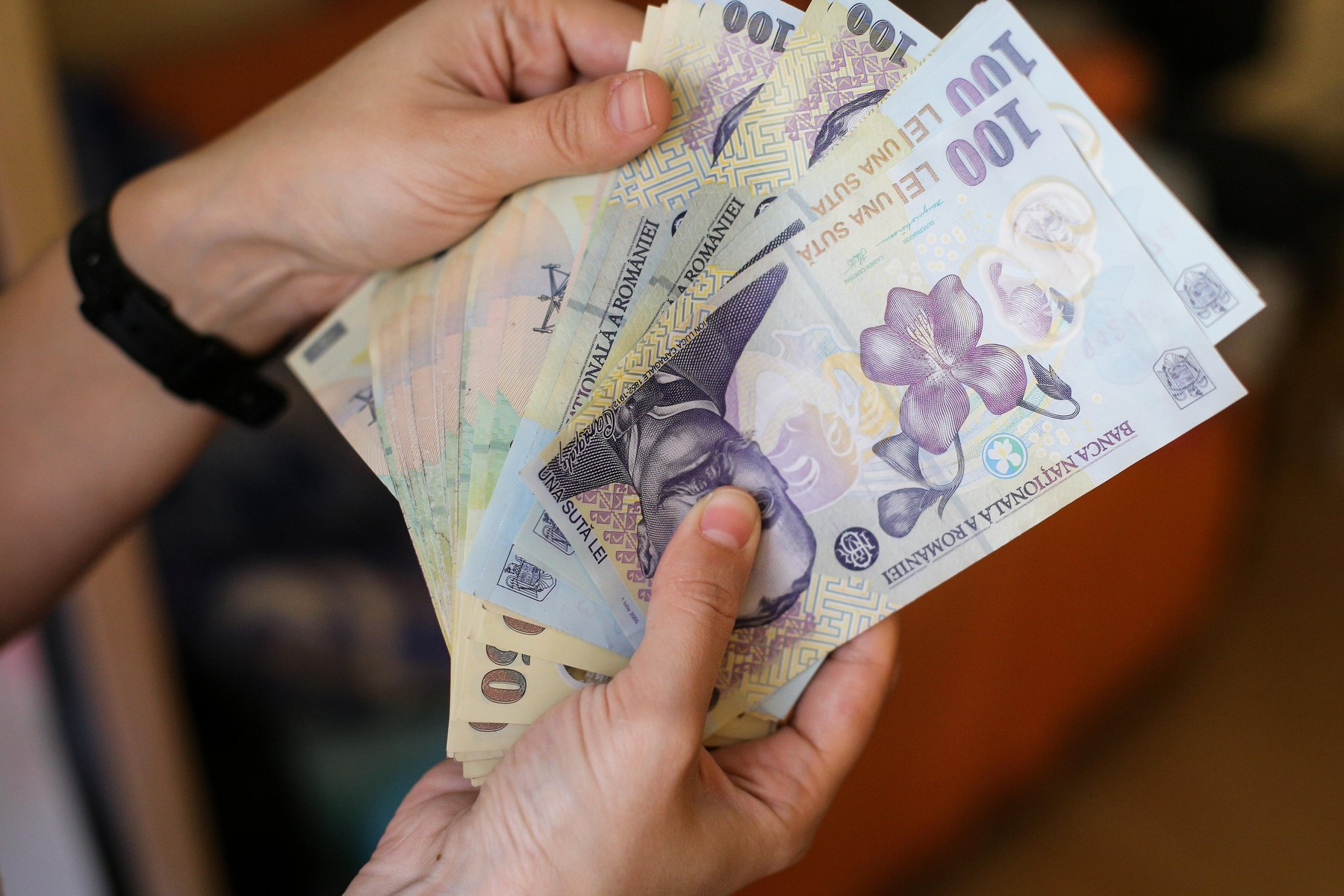 Cum pot beneficia de şomaj tehnic salariaţii firmelor a căror activitate este suspendată în contextul COVID-19