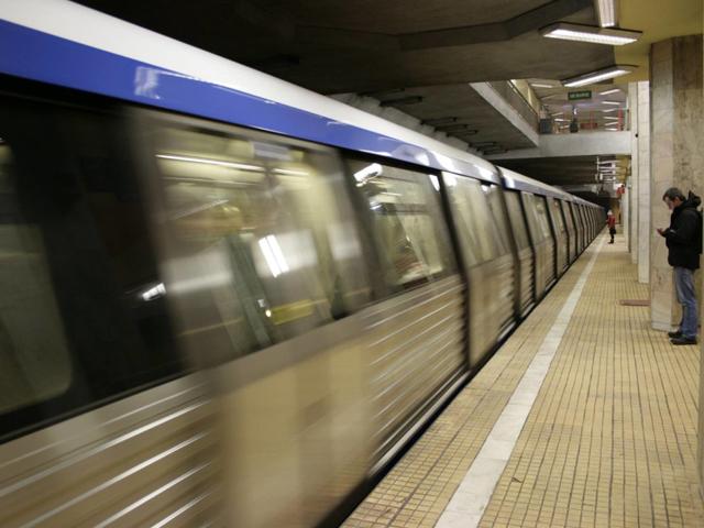 Cum poate fi evitată aglomeraţia la metrou: trenuri suplimentare la orele de vârf