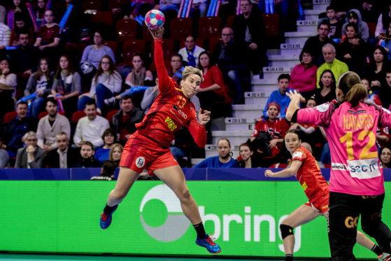 Imaginea articolului CE Handbal. România ratează calificarea în FINALĂ după înfrângerea cu Rusia/ Crina Pintea: Puteam să dau 100 de goluri. Dar am nevoie de o minge, nu pot face magie