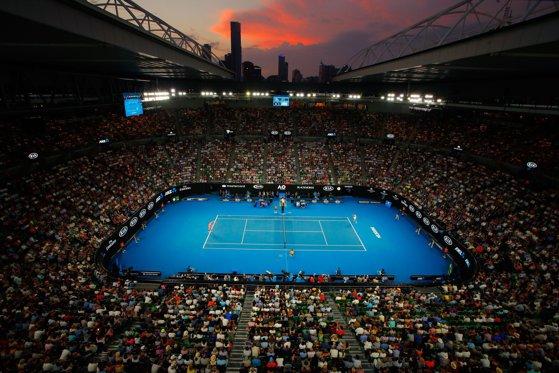 Imaginea articolului Favorita numărul doi a turneului Australian Open a fost eliminată, în optimi/ Simona Halep joacă luni în aceeaşi fază a competiţiei, împotriva Serenei Williams