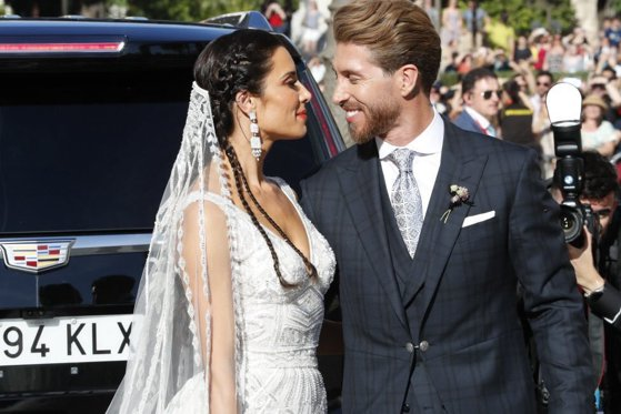 Imaginea articolului David Beckham, Shakira şi trupa AC/DC, printre invitaţii de la nunta lui Sergio Ramos, căpitanul lui Real Madrid. Cine este frumoasa mireasă | GALERIE FOTO