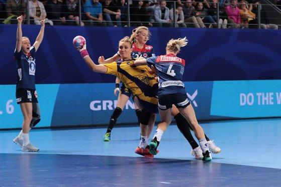 Imaginea articolului România şi-a aflat adversarele de la Campionatul Mondial de handbal feminin/ Cum sunt alcătuite grupele
