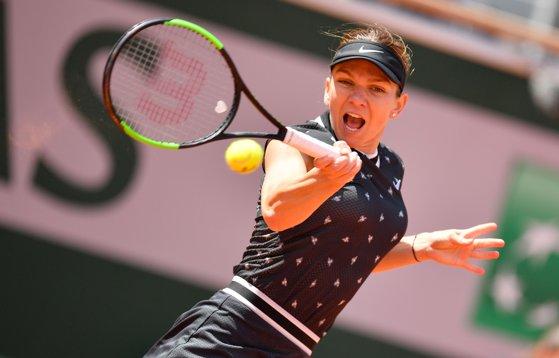 Imaginea articolului WTA Eastbourne. Simona Halep s-a CALIFICAT în turul 3 după un meci spectaculos | VIDEO
