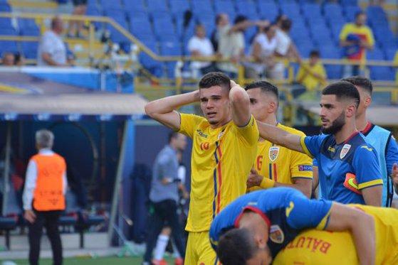 Imaginea articolului Emoţiile au atins cote RIDICATE, după eliminarea de la EURO 2019: Tricolorii U21, în lacrimi | FOTO
