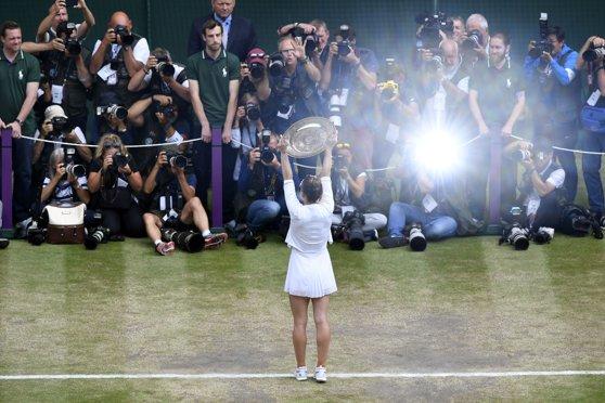 Imaginea articolului Simona Halep va prezenta trofeul de la Wimbledon pe Arena Naţională, pe 17 iulie