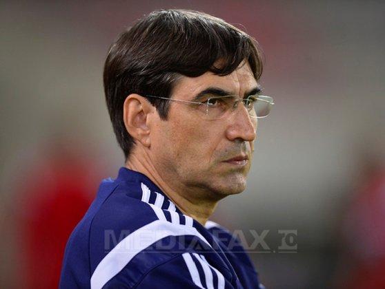 Imaginea articolului Victor Piţurcă, după CSM Reşita - Craiova, scor 0-1: Gazonul a mai făcut o victimă, pe Cosic