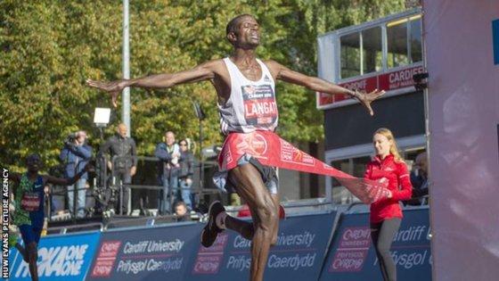 Imaginea articolului Un atlet a decedat în timp ce alerga la Semimaratonul Cardiff
