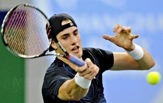 Imaginea articolului John Isner a reuşit să se califice în optimile turneului de la Shanghai. Cu cine s-ar putea întâlni în următoarea rundă
