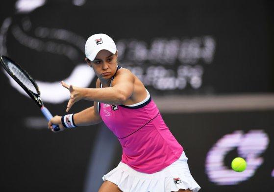 Imaginea articolului Turneul Campioanelor 2019. Ashleigh Barty s-a calificat în semifinale, după ce a învins-o pe Petra Kvitova
