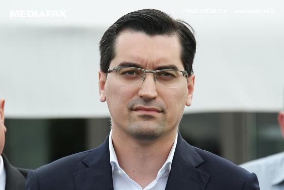 Imaginea articolului Răzvan Burleanu, preşedinte FRF, spune că nu a auzit scandări rasiste pe stadion: Nici eu, nici colegii mei