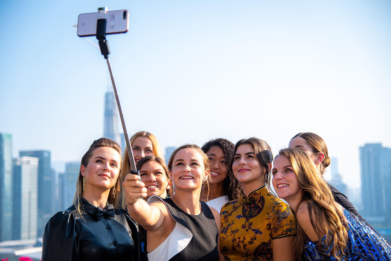 Simona Halep şi Bianca Andreescu luptă pentru titlul de cea mai bună jucătoare a anului