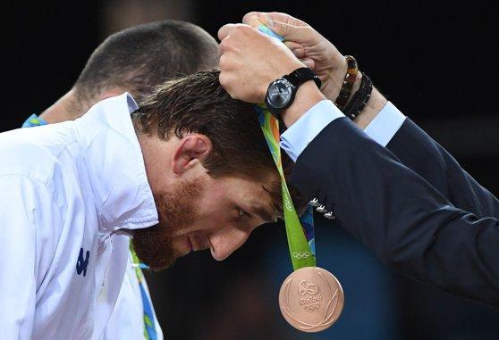 Imaginea articolului Încă un român s-a calificat în finala Campionatului European de lupte. Albert Saritov va lupta sâmbătă, pentru aur