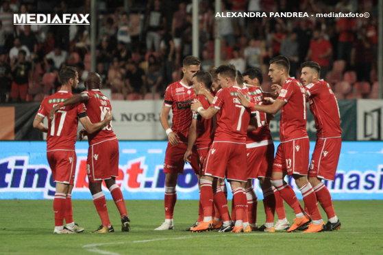 Imaginea articolului Dinamo se aproprie de zona roşie după înfrângerea de la Iaşi