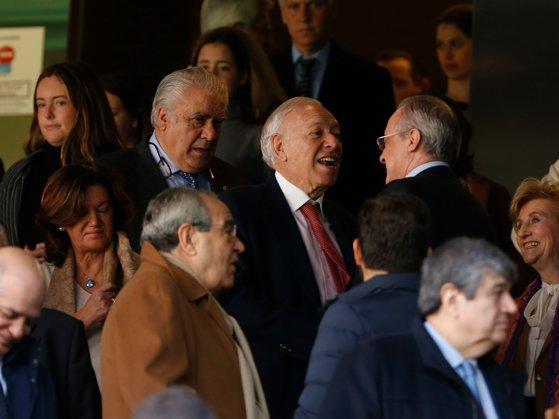 Imaginea articolului Lorenzo Sanz, fostul preşedinte al lui Real Madrid, a decedat după ce a fost diagnosticat cu COVID-19