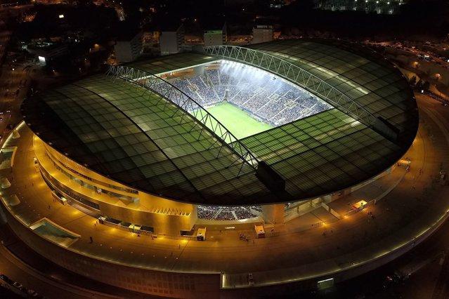 Proteste înaintea finalei Champions League. Fanii lui Porto vor aceleaşi drepturi ca suporterii Chelsea sau Manchester City|EpicNews