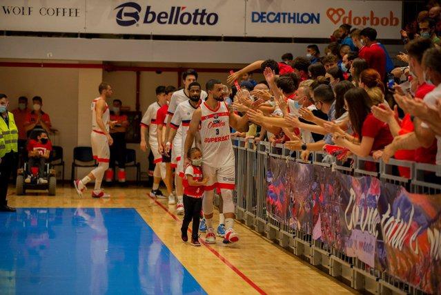 Campioana Ligii Naţionale de baschet masculin se stabileşte în meci decisiv la Cluj Napoca|EpicNews