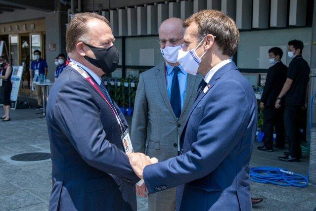 Emmanuel Macron a urmărit, alături de un român, primele confruntări de la Jocurile Olimpice |EpicNews