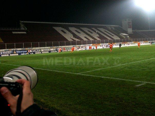 FC Rapid sancţionată drastic de Comisia de Disciplină din cauza incidentelor din meciul cu Gaz Metan