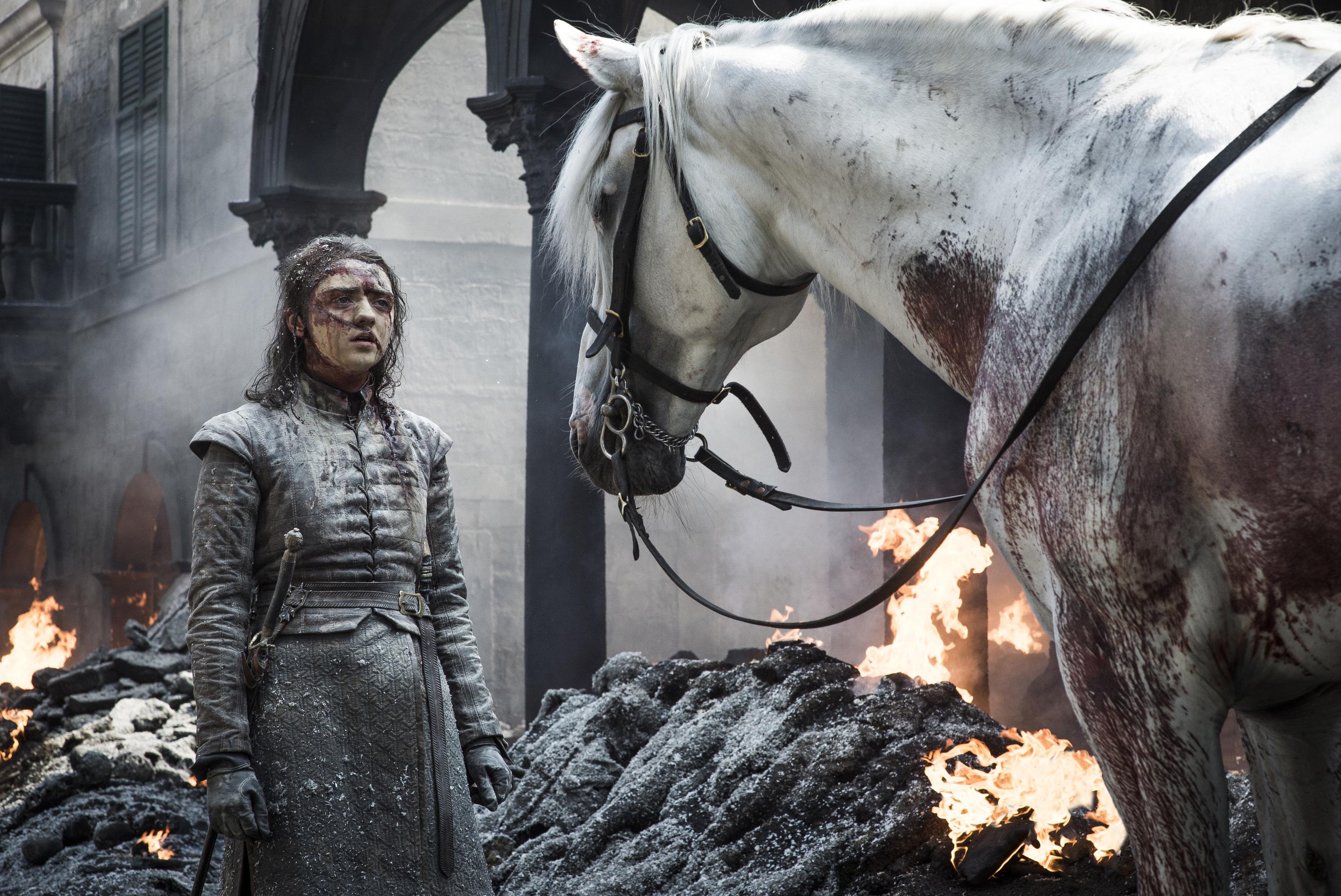 """Maisie Williams spune că rolul din """"Game of Thrones"""", Arya Stark, i-a afectat sănătatea mintală"""