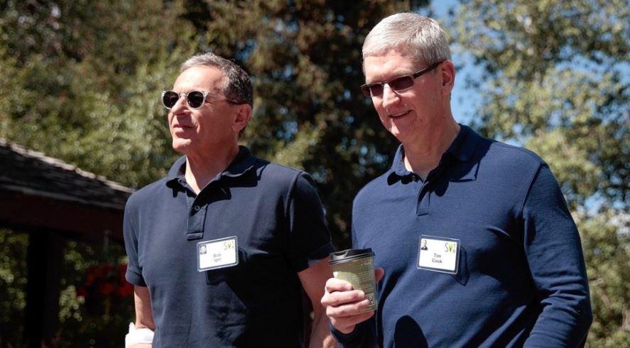 Directorul executiv al Disney, Bob Iger, se retrage din consiliul de administraţie Apple. Cele două companii vor concura în serviciile de streaming
