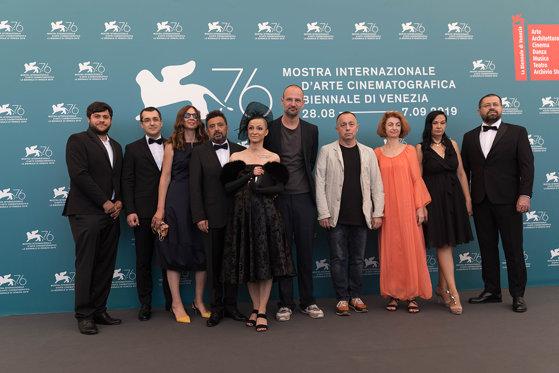 """Imaginea articolului Documentarul """"colectiv"""", de Alexander Nanau, inclus pe lista celor mai bune filme ale toamnei, de către prestigioasa publicaţie Variety"""