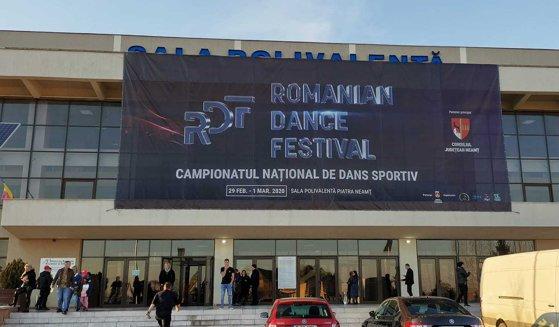 Imaginea articolului Peste 1.000 de concurenţi participă la Campionatul Naţional de Dans Sportiv de la Piatra Neamţ | FOTO, VIDEO