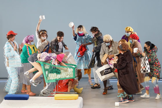 Imaginea articolului Teatru în pandemie. Actorii vor juca live într-o premieră absolută