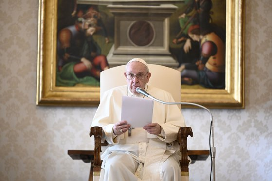 Imaginea articolului Papa Francisc s-a rugat pentru victimele care au murit în revolta de la Capitoliu