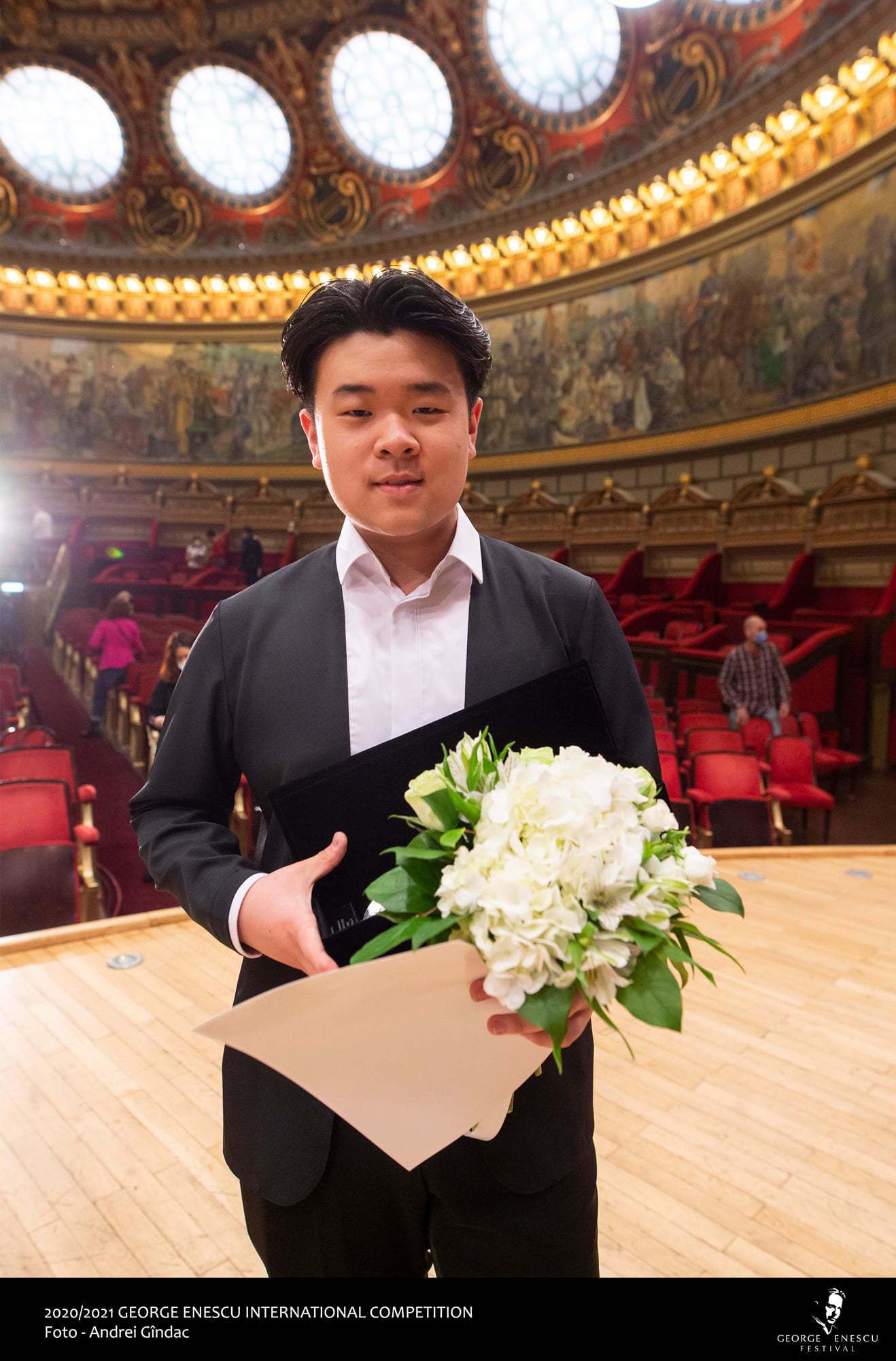 Jaemin Han din Coreea de Sud, câştigător al finalei de violoncel la Concursul Enescu