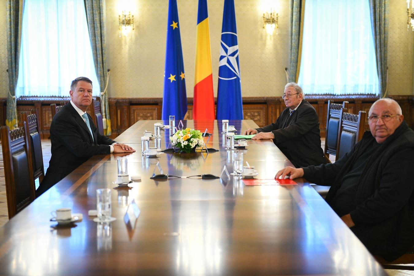 DECLARAŢIA ZILEI Iohannis consideră jalnică încercarea PSD de a se folosi de necazul foştilor deţinuţi politic