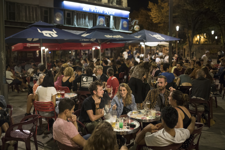 Noi măsuri legate de restaurante în Franţa. Două regiuni închid localurile din cauza numărului în creştere de cazuri de(...)
