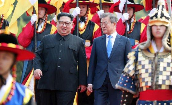 """Imaginea articolului Coreea de Nord şi Coreea de Sud se angajează să înceapă """"o eră fără război"""""""