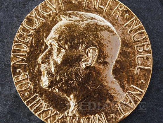 Imaginea articolului A fost decernat premiul NOBEL pentru fizică pe 2018. Donna Strickland devine a treia FEMEIE din istorie care primeşte această distincţie