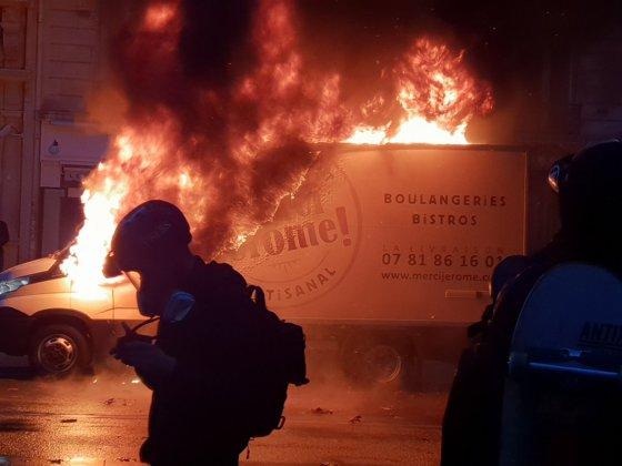Imaginea articolului Noi PROTESTE violente la Paris: Cel puţin 110 persoane au fost rănite, iar peste 270 au fost reţinute/ Mesajul lui Emmanuel Macron | FOTO, VIDEO