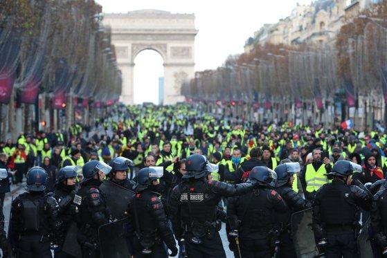 """Imaginea articolului O armată întreagă a fost mobilizată în Franţa înainte de protestele violente: 90.000 de membri al forţelor de ordine s-au pregătit de """"război"""""""