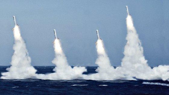 Imaginea articolului Tensiunile ruso-ucrainene, în creştere: Navă militară rusă dotată cu rachete de croazieră Kalibr, trimisă în Crimeea