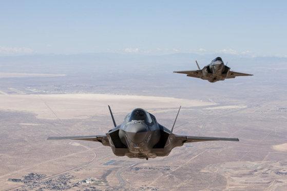 Imaginea articolului Japonia va achiziţiona alte câteva zeci de avioane F-35 şi echipamente militare pentru a contracara China, Coreea de Nord şi Rusia
