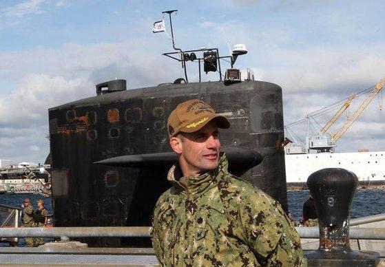 Imaginea articolului Comandant american de submarin, eliberat din funcţie pentru un incident petrecut pe când nava se afla într-un port din Asia