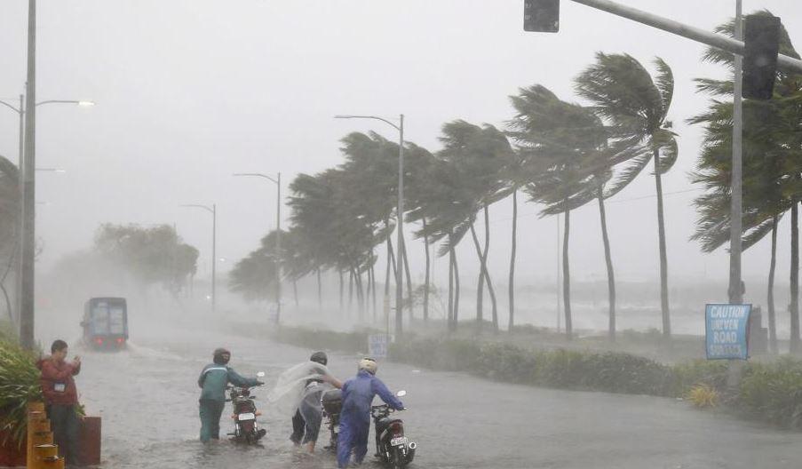 Ciclonul Fani: Sute de mii de persoane au fost evacuate în India | VIDEO