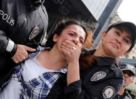 Imaginea articolului Manifestaţii ilegale la Istanbul cu ocazia Zilei Internaţionale a Muncii: Poliţiştii au reţinut 137 de persoane | VIDEO