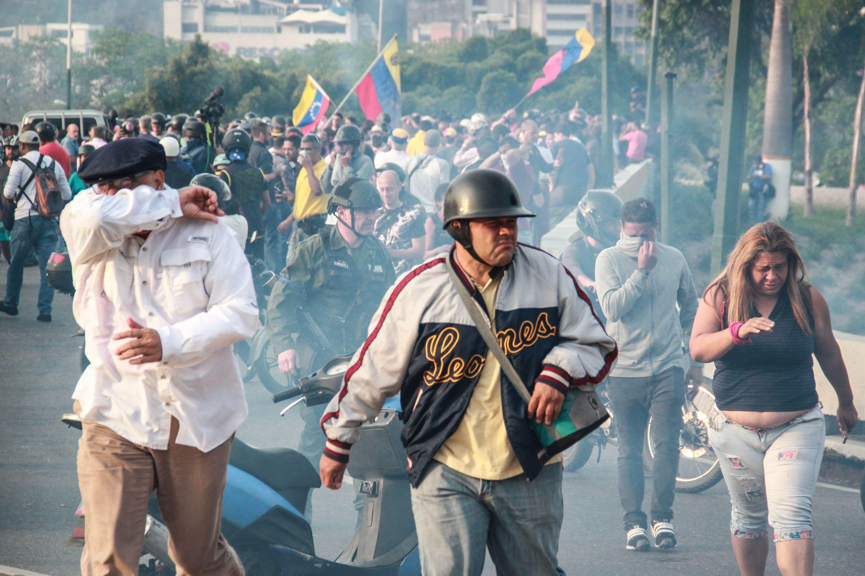 Noi confruntări în Venezuela: Forţele de securitate au folosit gaze lacrimogene şi gloanţe de cauciuc împotriva protestatarilor