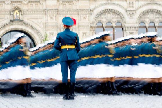 Imaginea articolului GALERIE FOTO - Paradă uriaşă în Piaţa Roşie din Moscova. Rusia a sărbătorit Ziua Victoriei asupra Germaniei naziste/ De ce au fost anulate demonstraţiile aeriene