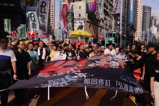 Imaginea articolului Proiectul privind modificarea legii extrădării din Hong Kong a fost suspendat