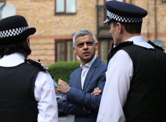 """Imaginea articolului Primarul Londrei, """"un dezastru"""". Preşedintele american Donald Trump îl atacă pe Sadiq Khan, după ce mai multe persoane au fost ucise în capitala britanică"""