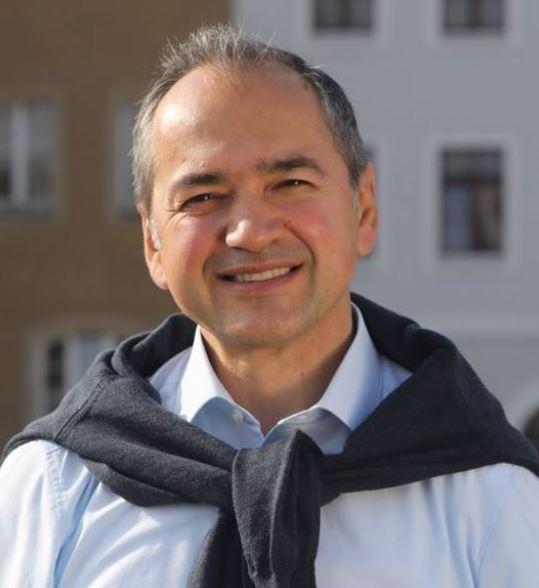 Imaginea articolului Românul Octavian Ursu a fost ales primar general al oraşului Görlitz din Germania. L-a învins pe candidatul extremei drepte