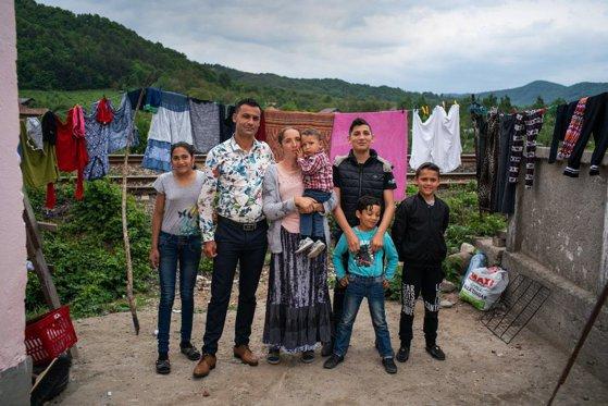 Imaginea articolului Un bebeluş de patru luni, dintr-o familie din România, este cel mai mic copil separat de părinţii săi la graniţa Statelor Unite